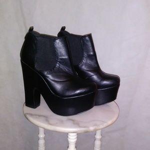 Boohoo platform black 90s style shoes